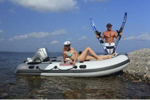 Моторная лодка Касатка-365